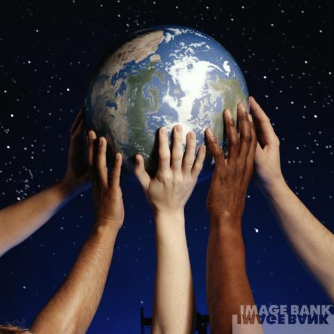 manos-que-sostienen-el-mundo.jpg