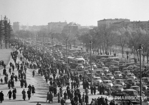 Leningradsky Avenue in Moscow before a football match at the Dinamo stadium. 1949.