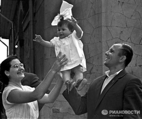 Yury Gagarin, his wife Valentina and daughter Galina. 1961.