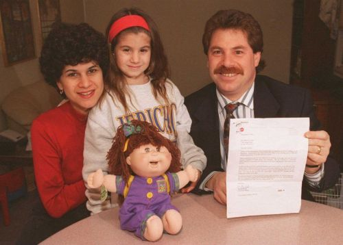 on-dec-31-1996-joe-lorintz-of-jericho-holds-the-letter-that-his-wife-marissa-received-from-mattel-after-she-complained-that-their-daughter-rachel-6-had-her-hair-%ef%80%a0eaten%ef%80%a0-by-her-ca